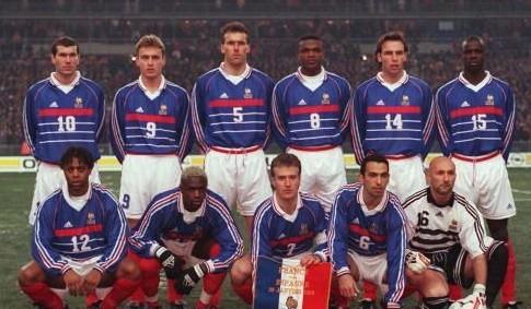 La France a joué son premier match au Stade de France face à l'Espagne, quel était le score ?